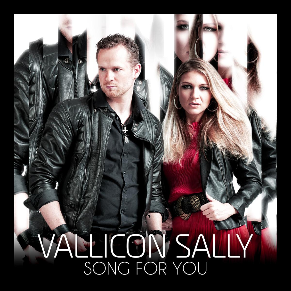 Cover Artwork - Song For You - Sally und Francis stehen nebeneinander vor einer Art Spiegel. Er trägt eine schwarze Lederjacke und sie ebenso. Darunter trägt sie ein rotes Kleid mit einem auffälligen Gürtel.